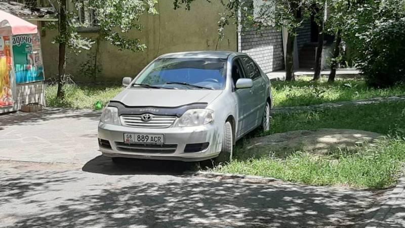 Можно ли так парковаться? - горожанин. Фото