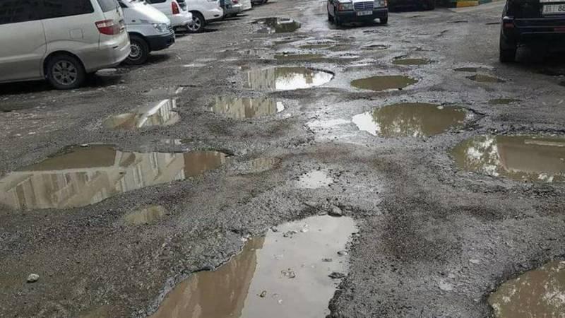 Горожанин жалуется на состояние дорог в «золотом квадрате». Фото