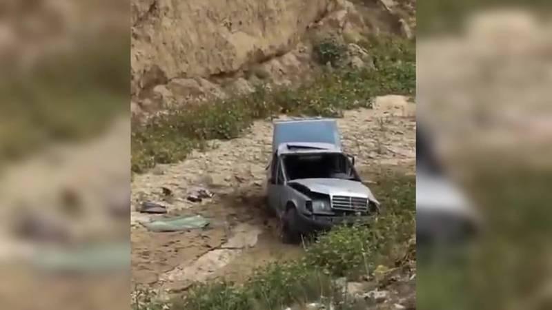 На дороге Ош–Ноокат машина слетела в обрыв