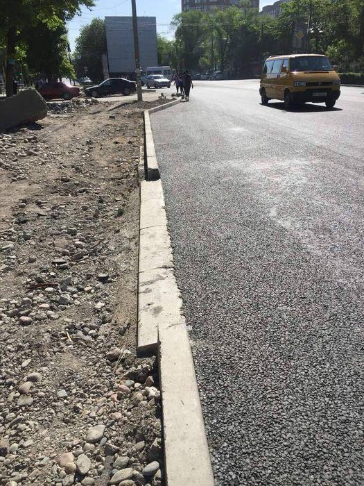 Мэрия Бишкека: На проспекте Жибек Жолу проводится только замена дорожного покрытия и бордюров