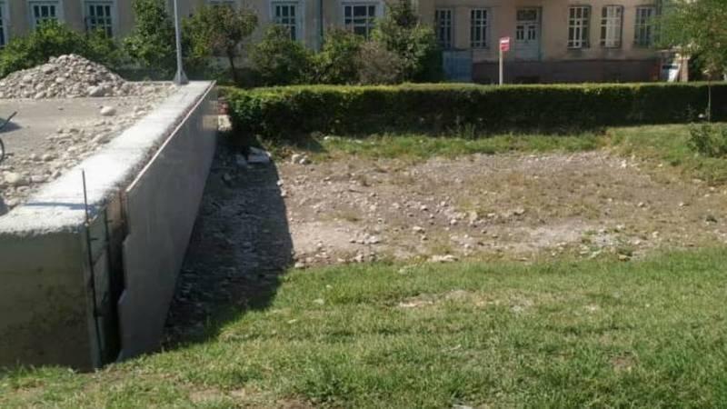 Сотрудники «Бишкекасфальтсервис» убрали мусор в центре города, - мэрия