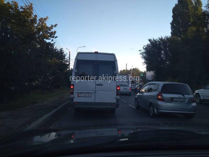 Читатель просит разрешить поворот налево со второй полосы на улице Анкары