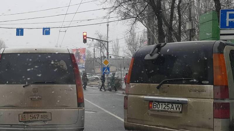 Как повернуть с проспекта Чуй на улицу 7 Апреля не нарушая? - бишкекчанин (фото)