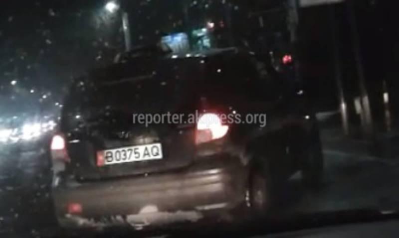 На Ч.Айтматова-Горького водитель такси выехал за стоп-линию, - бишкекчанин (видео)