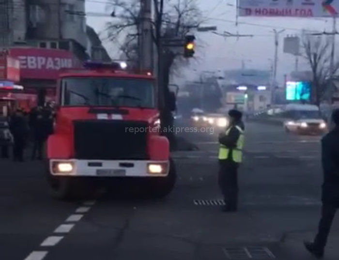 Пожарный расчет был остановлен на Абдрахманова-Киевской из-за проезда кортежа гостей заседания ТюркПА <i>(видео)</i>