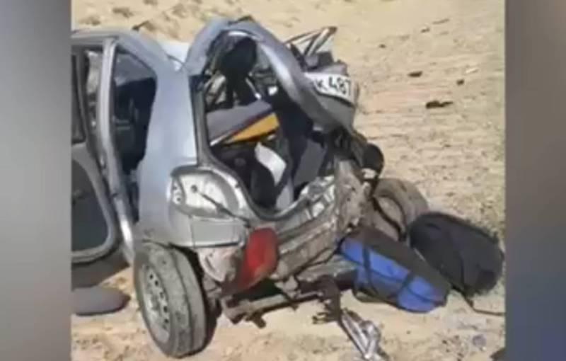 Две машины с гражданами Кыргызстана столкнулись с грузовиком