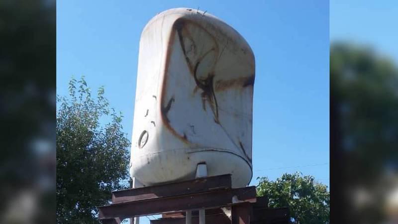 В селе Ананьево из-за неправильной установки взорвалась водонапорная вышка, - местные жители (видео)