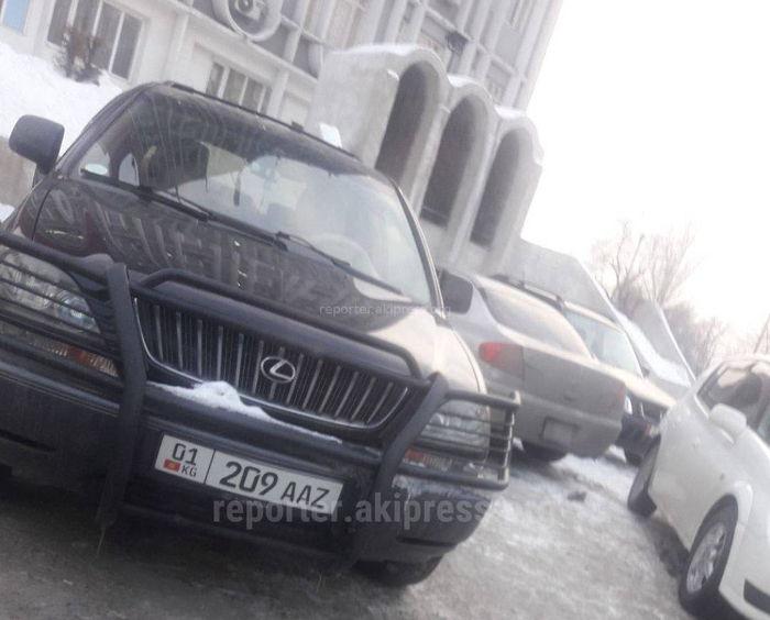Законно ли установлен кенгурятник на носу внедорожника в Бишкеке? - читатель (фото)