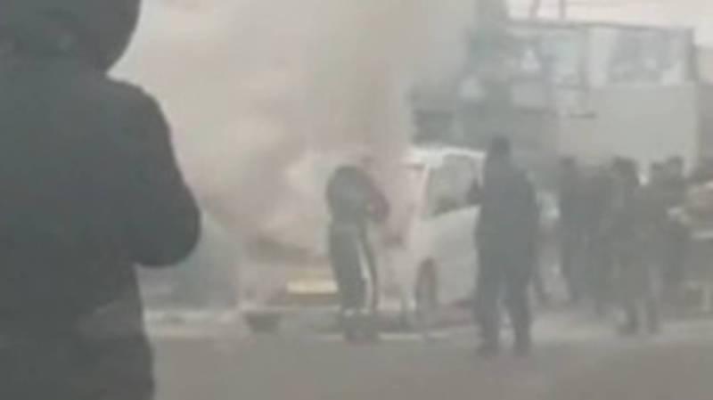 Видео — На рынке «Дордой» загорелась машина