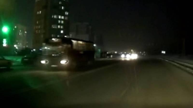 На улице Каралаева в 12 мкр нет системы уличного освещения (видео)