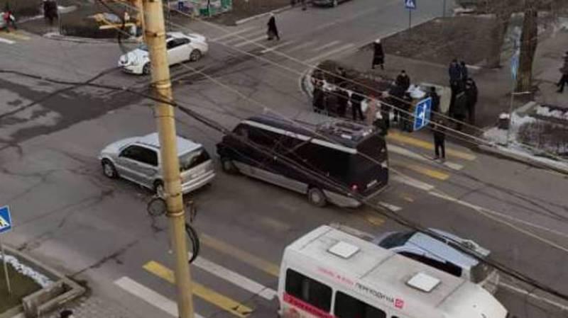 Бишкекчанин просит установить светофор на Киевской-Акиева
