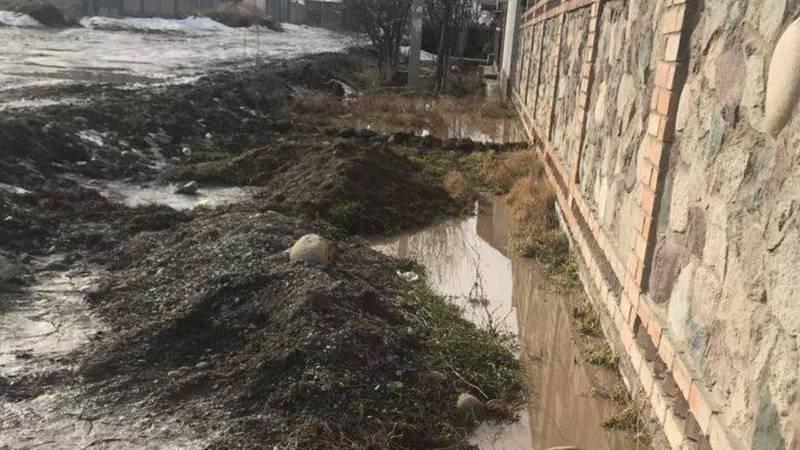 Жители жилмассива Арча-Бешик просят проложить ирригационную систему на ул.Абдрахманова