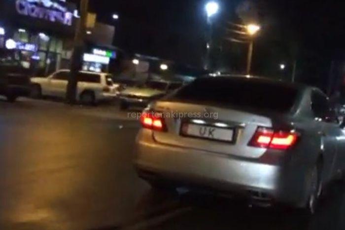 В Бишкеке замечена автомашина с госномером UK. Законно ли установлен номер? - горожанин <i>(видео)</i>