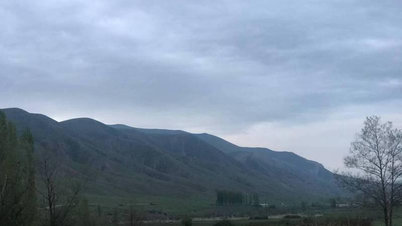 Прекрасные горы близ села Карагай-Булак. Видео и фото