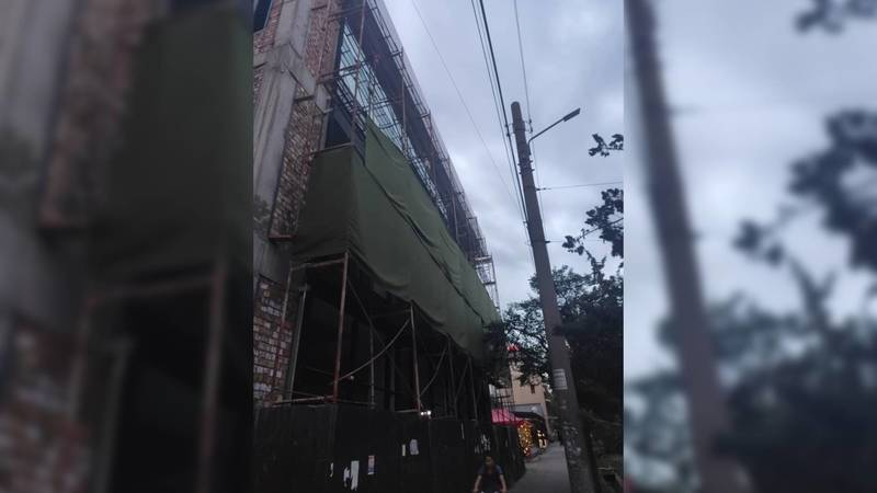 Законно ли строят здание напротив «Космопарка» в 5 мкр? - горожанин
