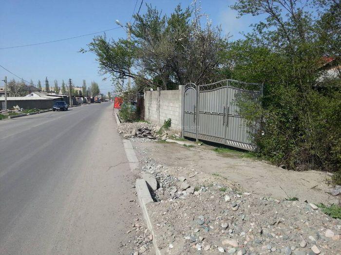 Когда завершат ремонт тротуаров на ул.Менделеева? - бишкекчанин (фото)