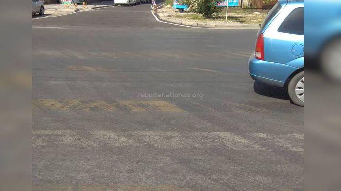 Дорожная разметка на ул.Тыналиева не стерлась, а просто загрязнилась, - мэрия Бишкека