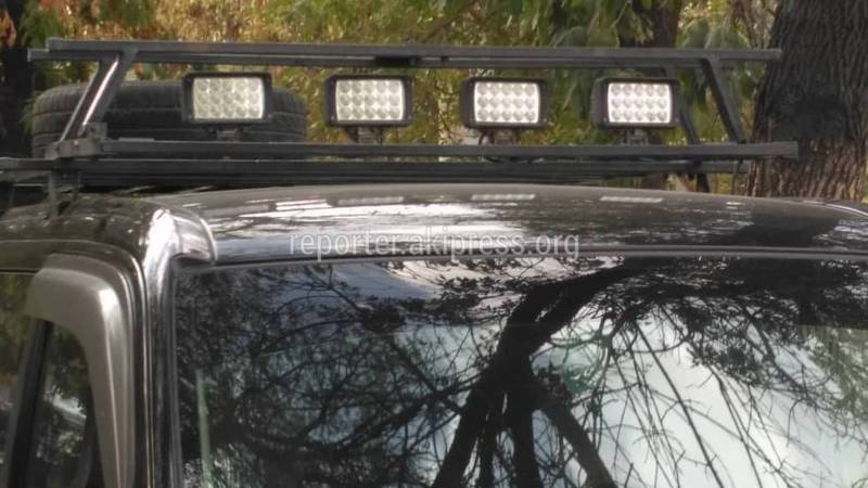 Машина со светодиодными фарами. Кто контролирует их использование?