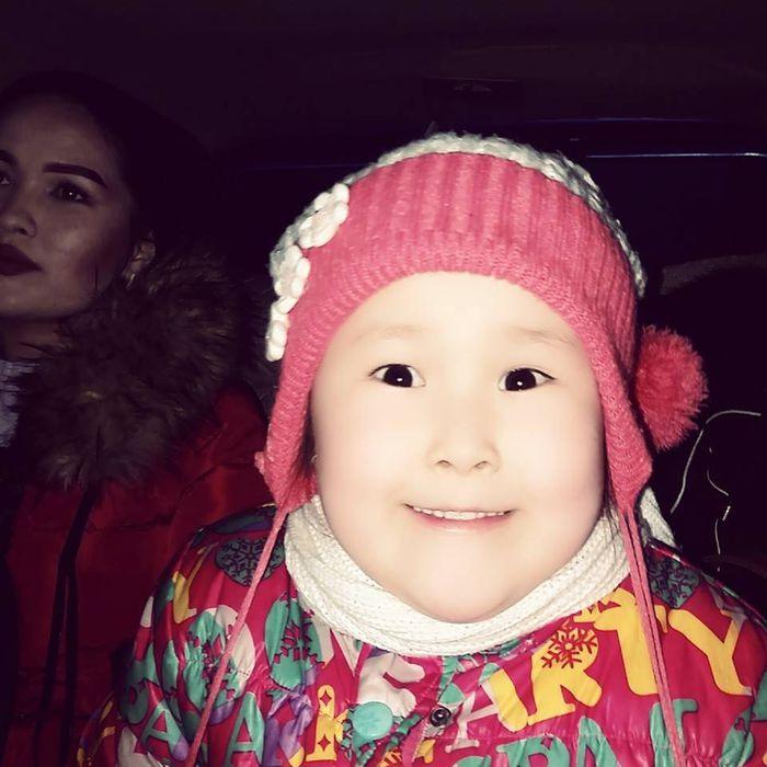 Через 2 недели в КР приезжают врачи из Новосибирска. Маме 6-летней Жасмин с врожденным пороком сердца нужно собрать деньги на операцию
