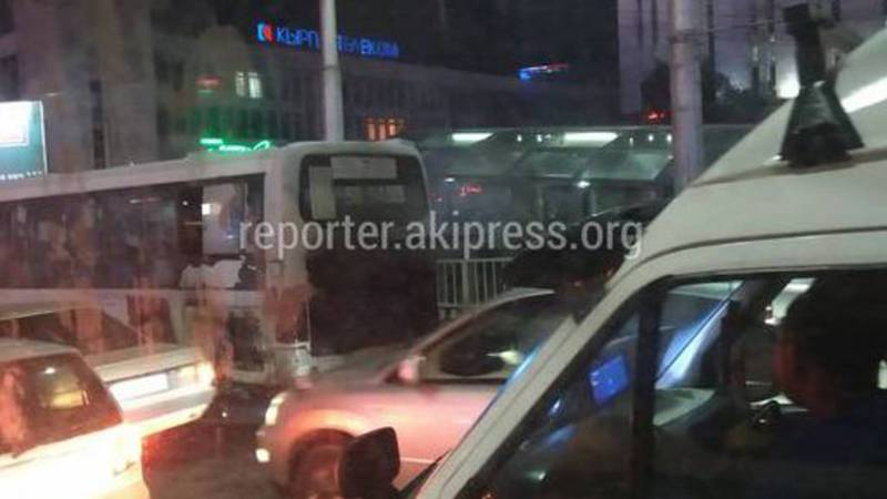 Произошло замыкание наружной проводки, - мэрия о пожаре в автобусе №7