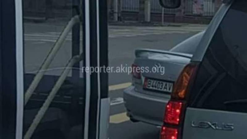 На Ахунбаева водитель троллейбуса нарушил ПДД, с ним проведена разъяснительная беседа, - мэрия