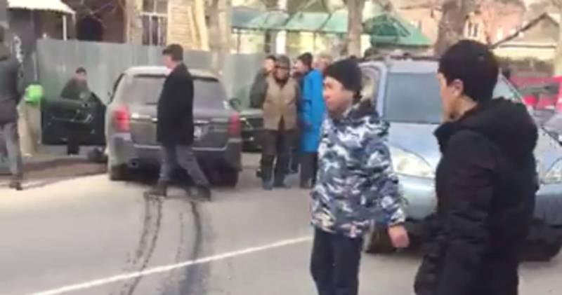В Бишкек на пересечении улиц Уметалиева и Рыскулова произошло ДТП, - житель (видео)