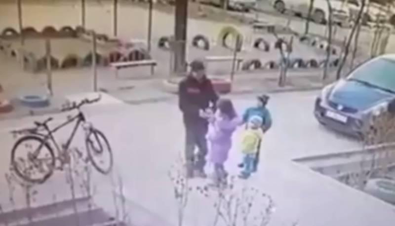 В Бишкеке мужчина средь бела дня приставал к маленькой девочке, - горожанин (видео)