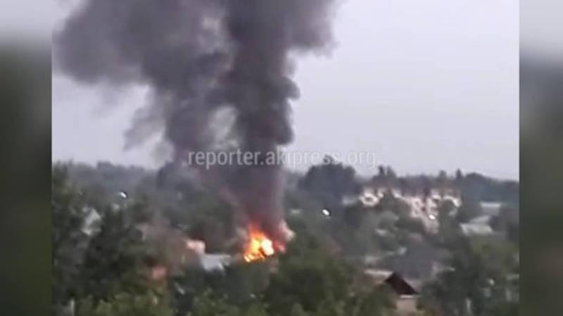 В доме на Суюмбаева вспыхнул пожар (видео)