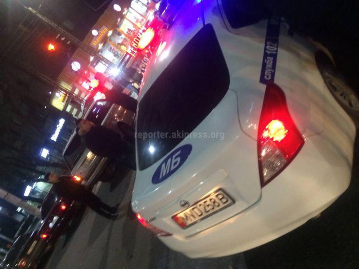 В центре Бишкека столкнулись два джипа и машина ГУВД столицы (фото)