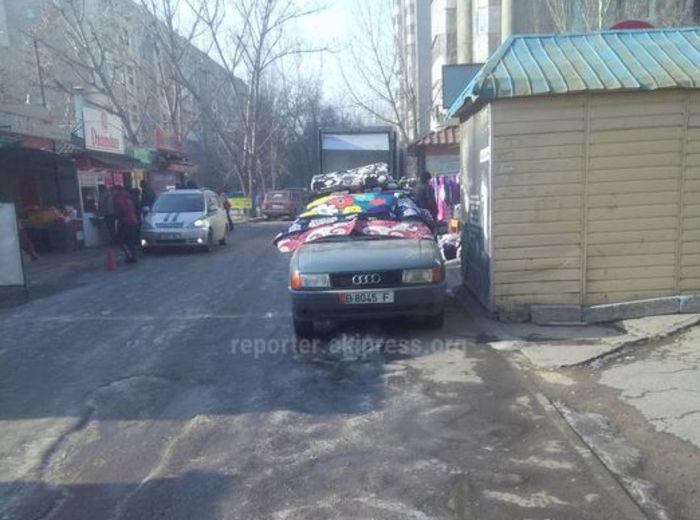 Свердловский акимиат примет меры в отношении стихийной торговли в мкр Восток-5, - мэрия Бишкека