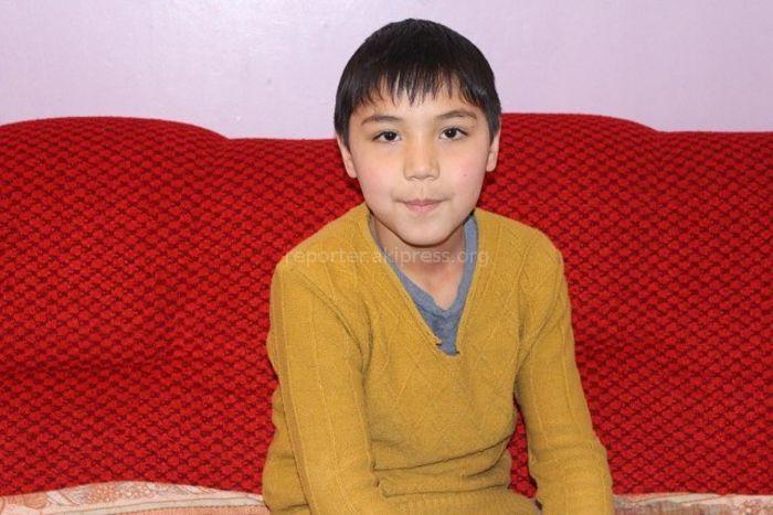 В Бишкеке ищут родителей 12-летнего Ильяса