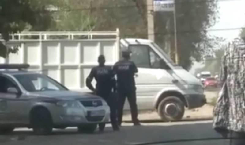 Сотрудники УОБДД в селе Военно-Антоновка помогли водителю грузовика, - УОБДД Чуй