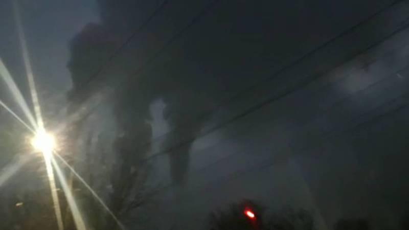 Жителей Бишкека пугает густой дым от ТЭЦ, который почти окутал небо. Видео