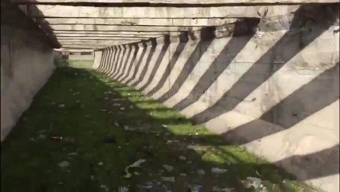 В столичном 6 мкр активисты очистили канал от мусора <i>(видео)</i>