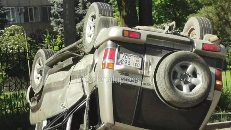 ДТП на Медерова-Тыныстанова. Столкнулись два внедорожника, есть пострадавшие. Видео