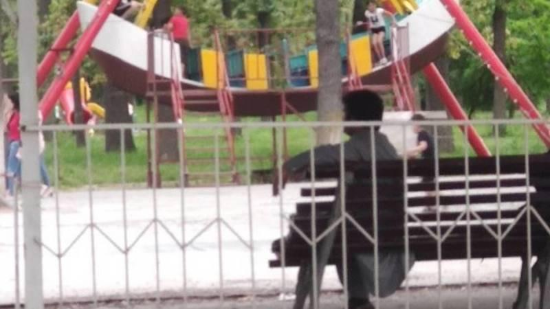 Горожанин просит обратить внимание на аттракционы в парке имени Ататюрка. Фото и видео