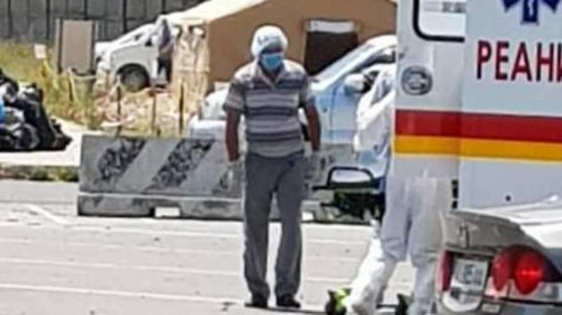 У водителей «скорых» на авиабазе «Ганси» нет защитных костюмов. Фото очевидца