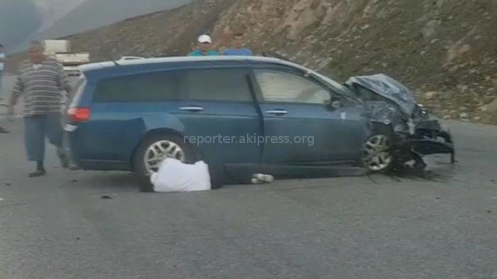 Видео – На автодороге Бишкек–Ош произошло ДТП. Очевидец сообщил о 4 погибших