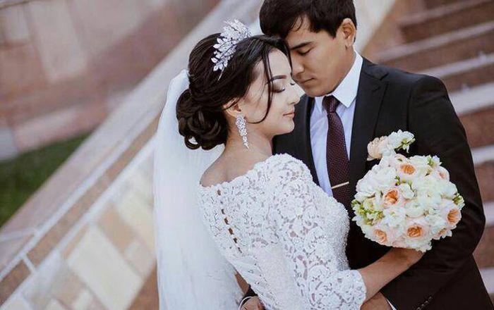 Видео — В сети появилось видео со свадьбы дочери президента С.Жээнбекова, состоявшейся 2 года назад