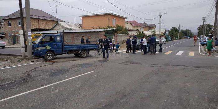 ДТП в районе Ипподрома. «Портер» врезался в столб после столкновения с «Хондой»
