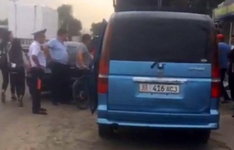 В Новопавловке машина наехала на семейную пару с ребенком