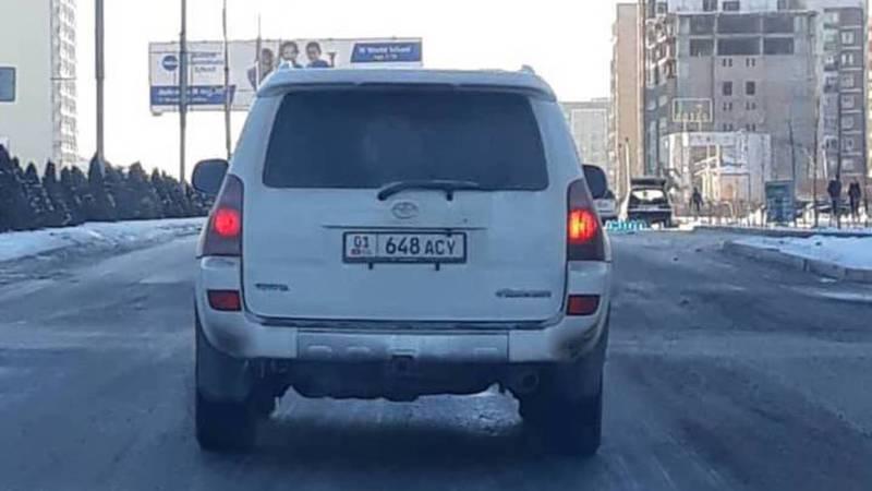 На Айтматова-Масалиева водитель «Тойоты» пересек стоп-линию (фото)