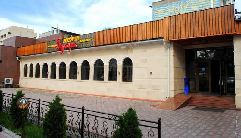«Испорченный ифтар». Посетительница пожаловалась на кафе «Бухара Ассорти»