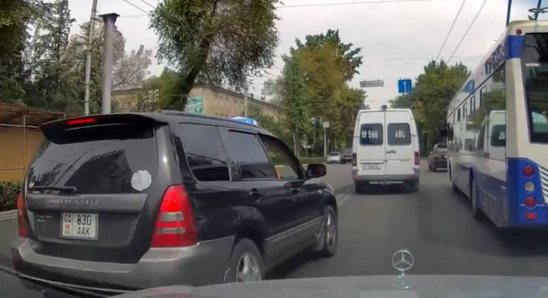 На пр. Манаса водитель «Субару» выехал на встречную полосу (видео)