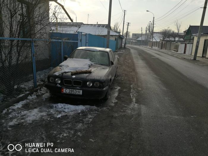 Читатель просит убрать брошенный автомобиль на Буденного-Славянской <i>(фото)</i>