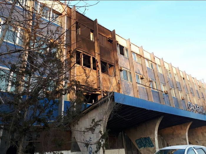 Фото — Последствия пожара на заводе БШЗ