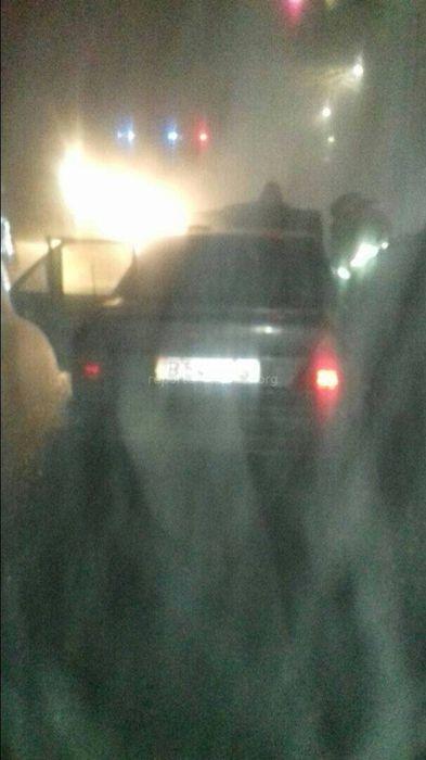На Бакаева-Гагарина в Бишкеке сгорела машина <i>(фото)</i>