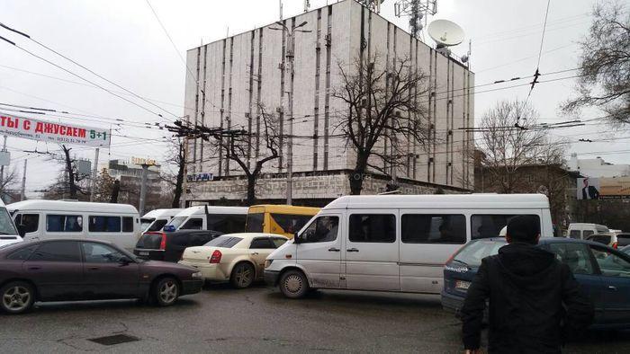 На Абдрахманова-Киевской не работает светофор (фото)