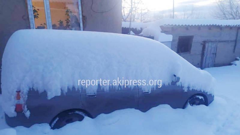 В селе Бостери небывалый снегопад, высота снежного покрова достигает 40 см. Видео, фото