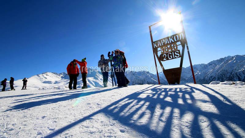 Один день на горнолыжной базе в Караколе. Фото